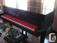 "Piano K.Kawai  Grand 5' 7"" with Matching Bench, 100%"