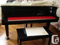 "Piano K.Kawai  Grand 5' 7"" with Matching Bench, 100%"