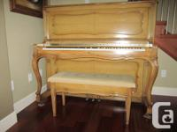 Beautiful upright piano made by L.E.N. PRATTE in
