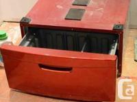 2 piedestales rouges (avec tiroir) pour laveuse et s