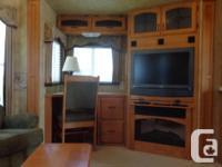 For sale is a 2008 Keystone Montana 3400RL 38' fifth