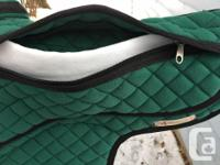 Fabulous stirrup-free bareback pads. Not available in
