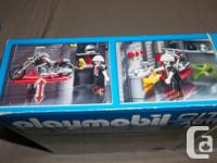 All piece included. In mint condition ! Playmobile