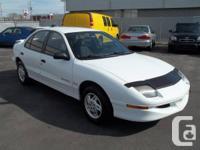 Pontiac Sunfire GLS 1998, 4 portes, manuel 5 vitesses,