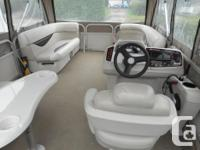 2010 pontoon boat 17feet with all sipped tarps trailor