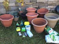 Pots of plastic in various sizes from very large to