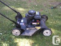 "Lawnmower Poulan 20"" Side-Shooter Briggs and Stratton"