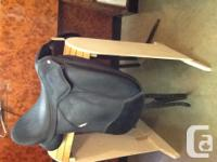 "17 1/2"" Wintec Pro dressage saddle flexible tree and"