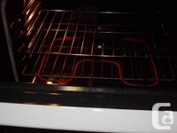 Kenmore colour stove, everything functions flawlessly.