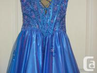 Super condition. Must see, size 6, see my other dresses