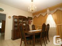 - Quality, Canadian-made all hardwood dining set - Set