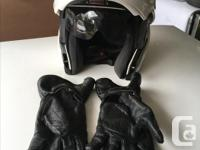 GREAT HELMET-NEVER DROPPED. LARGE SIZE haS the internal