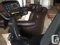 Commercial Gym Quality, with adjustable handlebars and