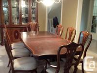 Perfect condition rarely used Queen Anne Dining Set.