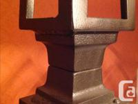 GUC Solid metal frame - dark metal brown. Headboard is