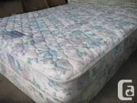 QUEEN MATTRESS AND MATCHING BOX SPRING IN VERY GOOD