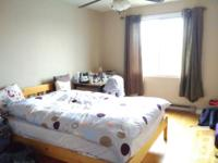Very nice Queen Size bed frame and mattress (very