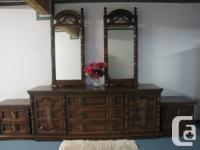 Queen size bedroom suite includes: 9 drawer dresser