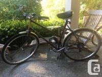 Beautiful Raleigh bicycle in great conditions!! It has