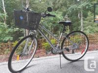 Raleigh Women's Hybrid bike 21 Speed Front Suspension