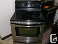 "ELECTRICAL RANGE FRIGIDAIRE 30"", CERAMIC TOP, STAINLESS"