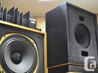 WORK AND SOUND JUST LIKE NEW DRIVERS ARE MINT, CABINETS