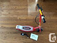 Good working order children's electric Razor E100