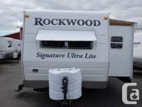 REALLY NICE DELUXE 31 FOOT, 2009 ROCKWOOD SIGNATURE
