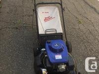 """I'm selling a Lawn mower """"Murray"""" rear bagger and side"""