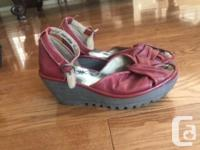 Size 38. Excellent condition. Red Fly London platform
