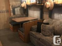 2006 Dutchmen classic 5th wheel RV, its in great shape