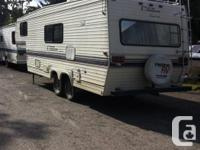 FIFTH WHEEL TRAILER THAT HAS NEVER BEEN LIVED IN AND IN