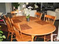 Beautiful Roxton Maple Dining Room Table, 4 Chairs and
