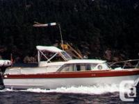 Boat: - 28ft 1962 Constellation Express Cruiser - Twin