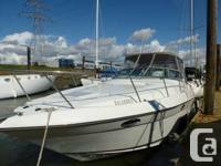1995 Regal Ventura 9.8M -32', 11' Beam. Length overall