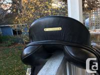 16' regal dressage saddle. Super comfy & in great