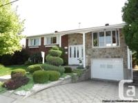 RESIDENCE VIEUX-LONGUEUIL AVAILABLE 5 BEDROOMS -