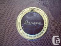 Hailing from 1951 is this Revere TR-200. It's a tube