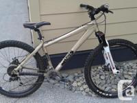 Rocky Mountain Flow Raw Mtn Bike, 16.5 inch size frame,