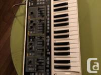 Selling a ROLAND GAIA SH-01, 37 keys, USB Compatible.