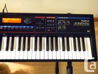 Very nice synthesizer in excellent condition. Used, but
