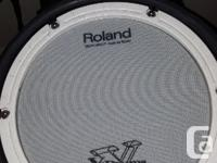 1 mesh top snare, 3 rubber Toms, 3 cymbals 1 high hat