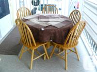 Solid wood Dining Table plus 5 Chairs, cloth and