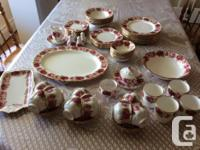 This is a 80 pieces of pristine Royal Albert Old