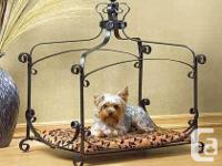 #38683 Royal Splendor Pet Bed  Description  Brightly