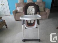 Features: removable infant insert pad, recline seat,