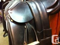 "171/2"" Santa Cruz dressage saddle. excellent problem!"