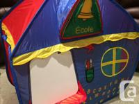 Fun pop-up tent with removable velcro: - clock, with