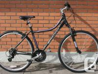 Schwinn Searcher 4 Hybrid / Commuter / Urban Bike -