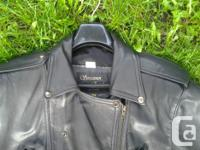 Black, perfect condition, 30 in long Size S, for woman,